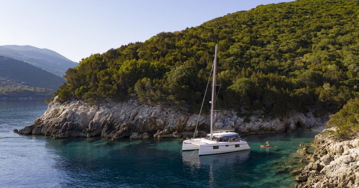 Eine Bucht für dich alleine: Segeln im Ionischen Meer