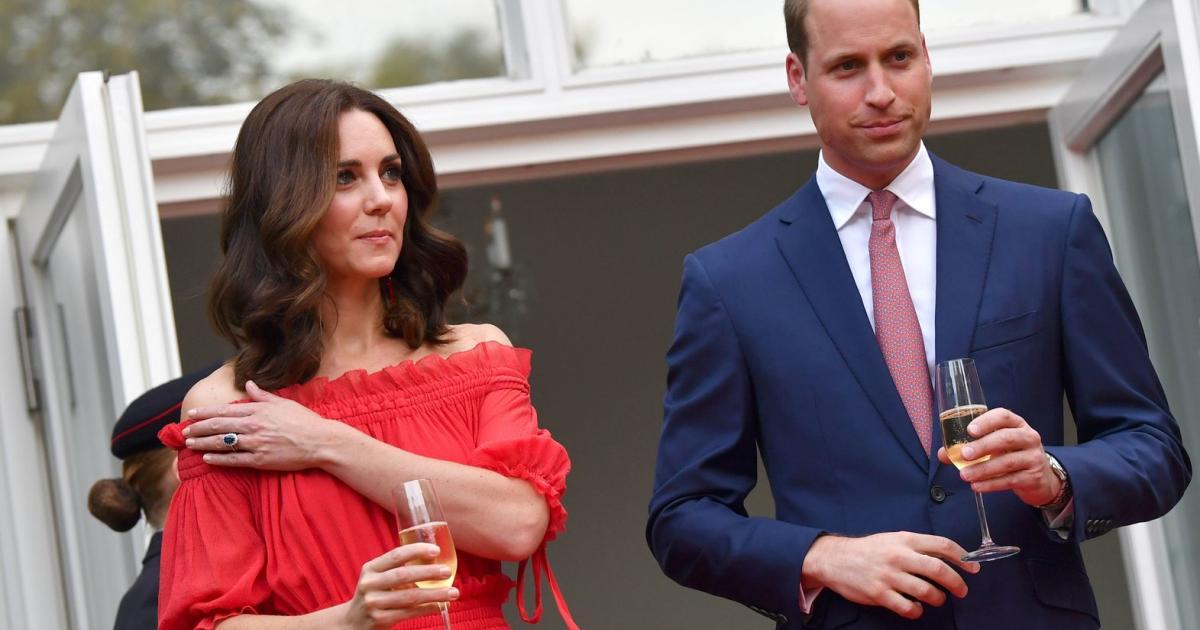 Royals: Warum diese Skandalkleider für Schlagzeilen sorgten