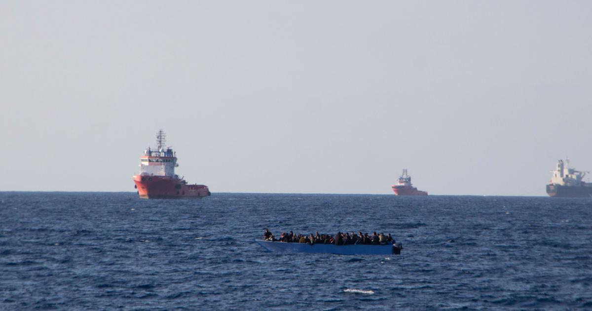 Rettungsschiff nahm 114 Bootsflüchtlinge an Bord