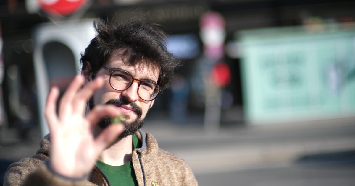 Ein Spanier schaffte es dank seiner Wanderschuhe bis ins Rathaus