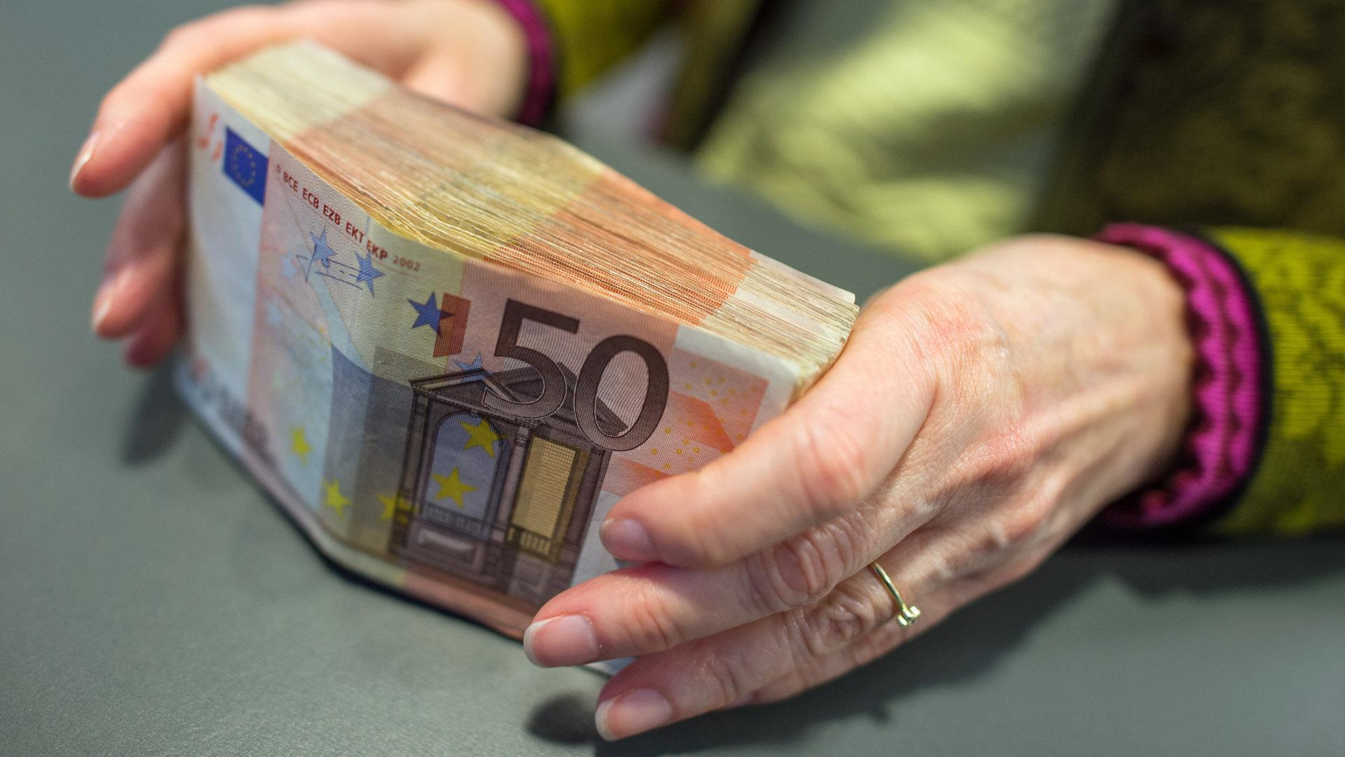 EU erwägt 10.000-Euro-Limit für Bargeldzahlungen
