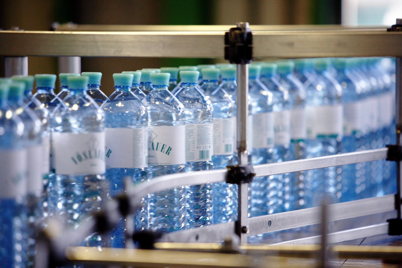 Warum Glas nicht immer nachhaltiger ist als eine PET-Flasche