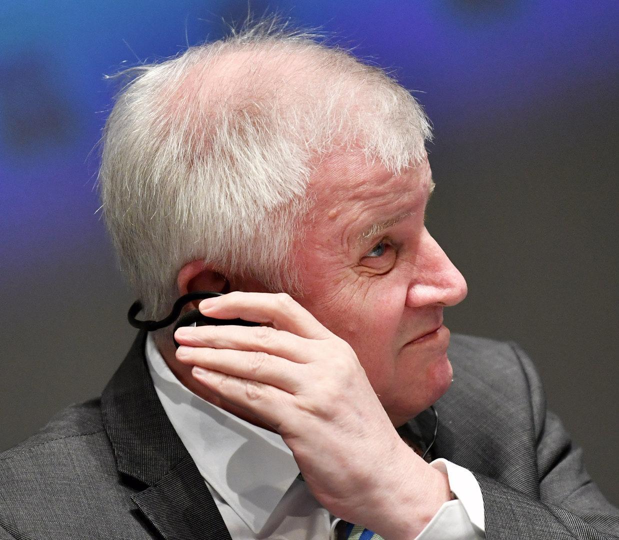 Mehrheit der CSU-Anhänger für Seehofers Rücktritt