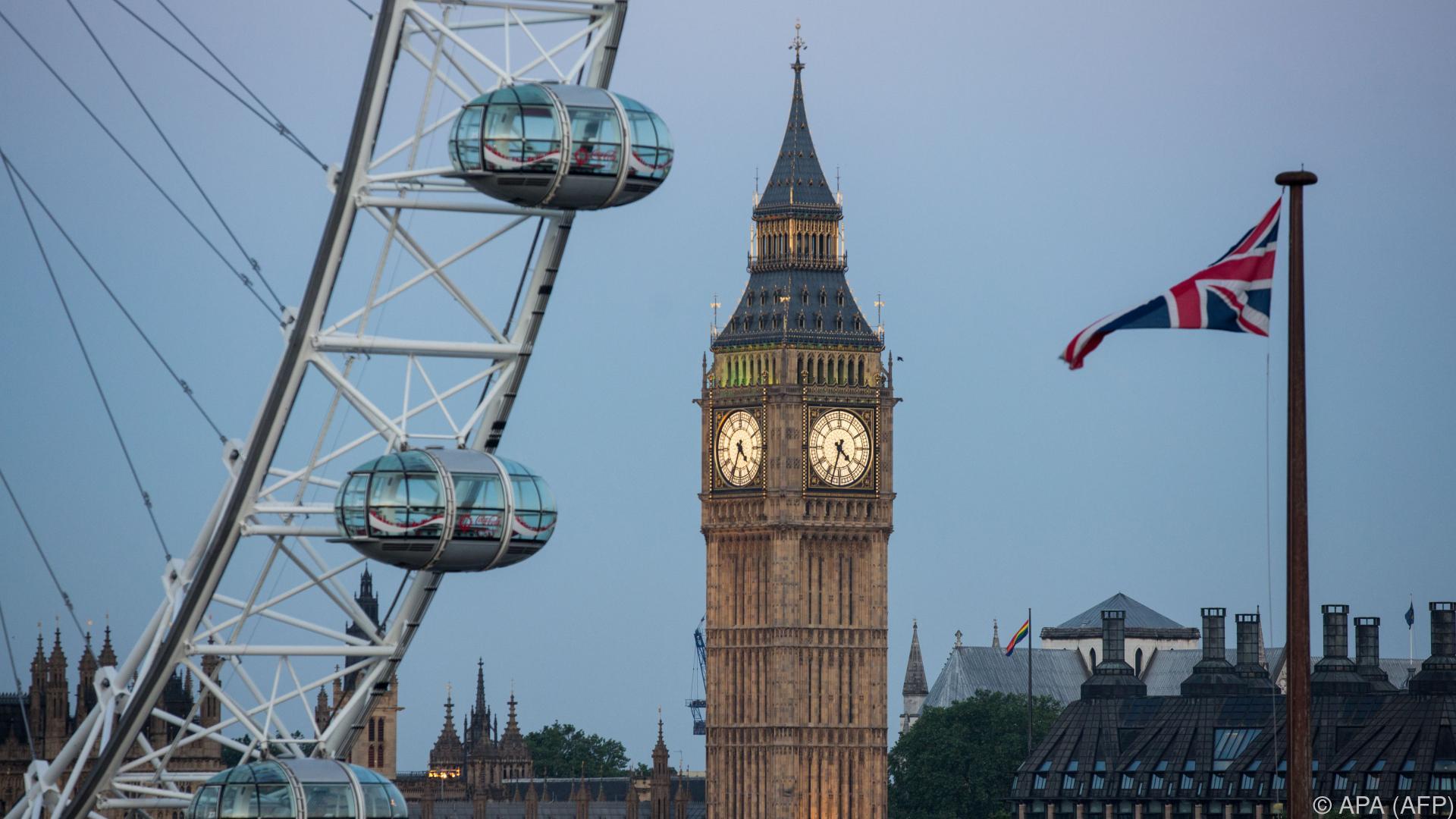 Tausende demonstrieren gegen Corona-Maßnahmen in London