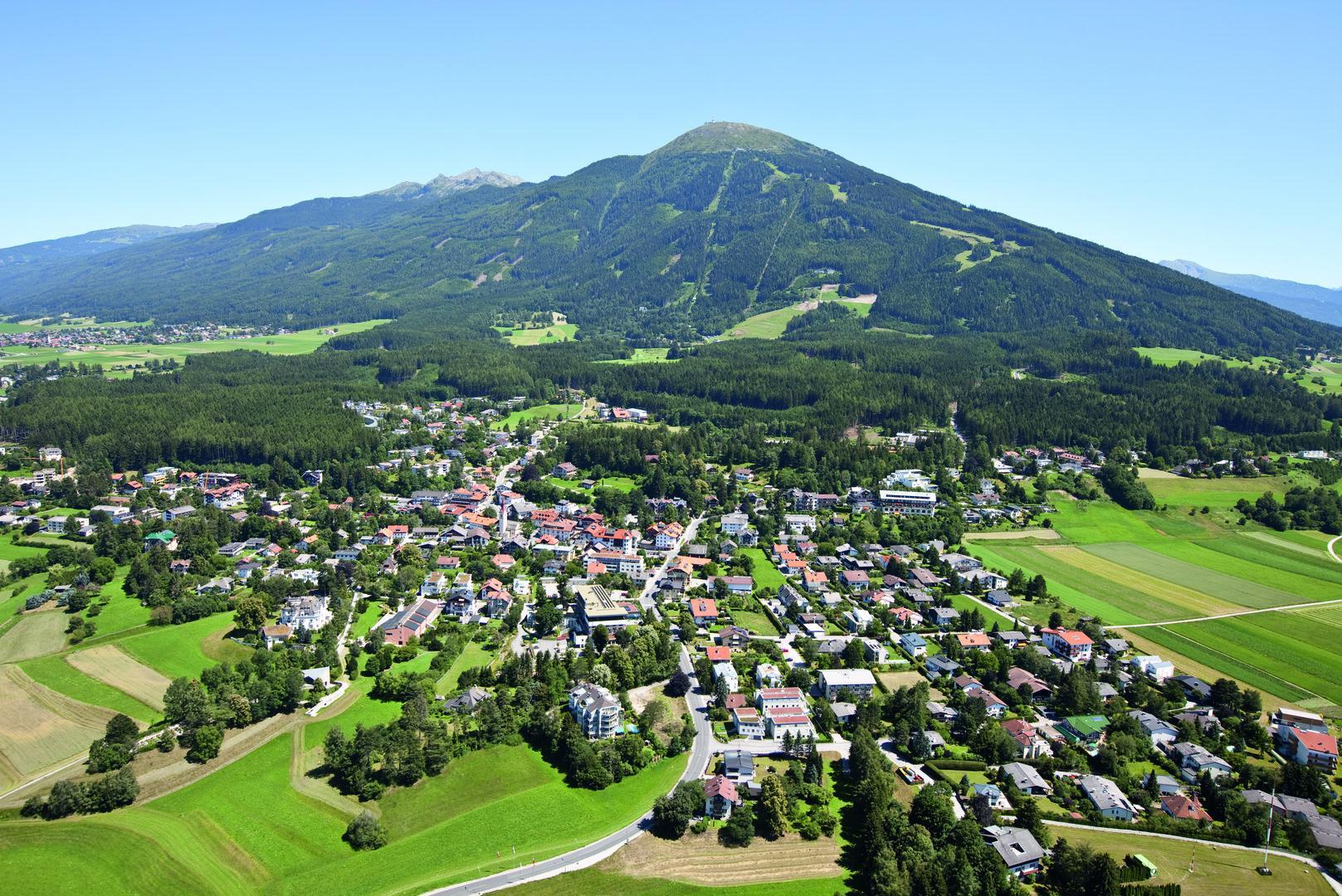 Streit um sozialen Wohnbau im Dorf von Innsbruck