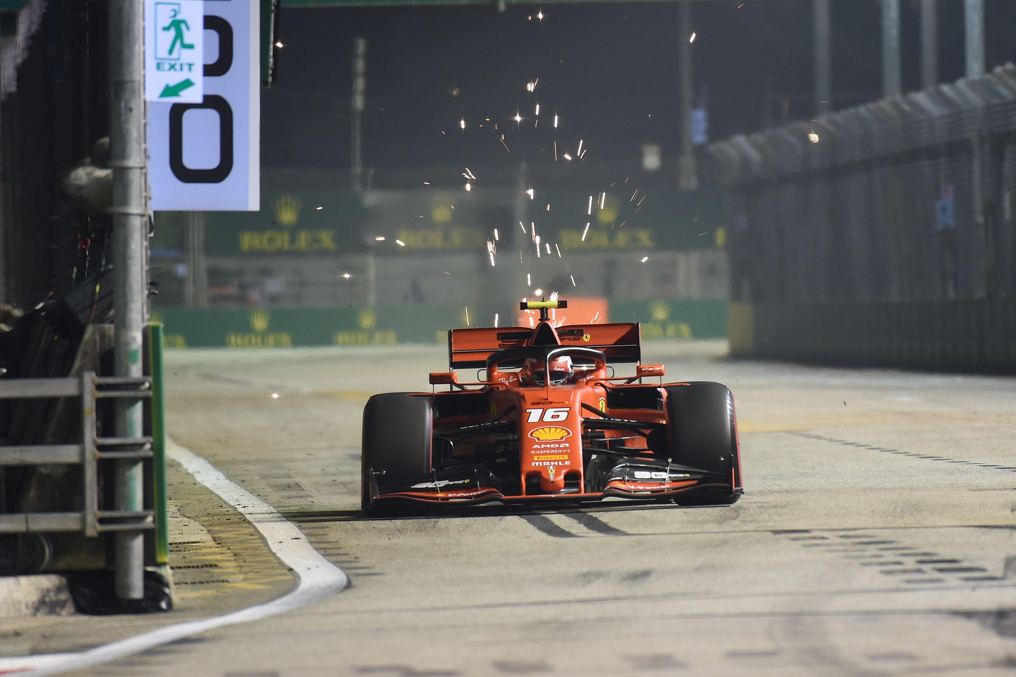 Leclerc im Singapur-Abschlusstraining voran, Hamilton-Dreher