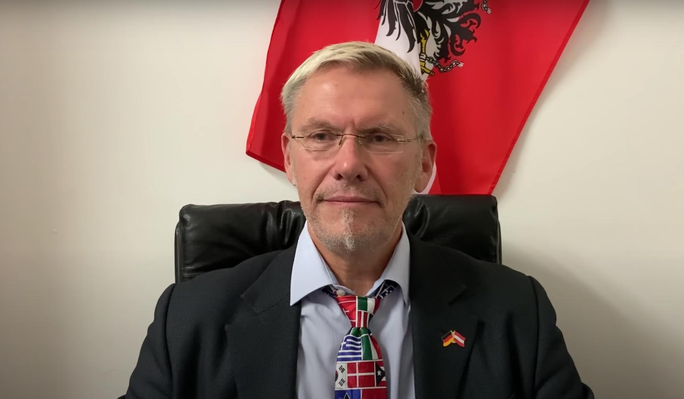 """Mediziner Haditsch zur Alltagsmaske: """"Wabernder Fetzen schützt nicht"""""""
