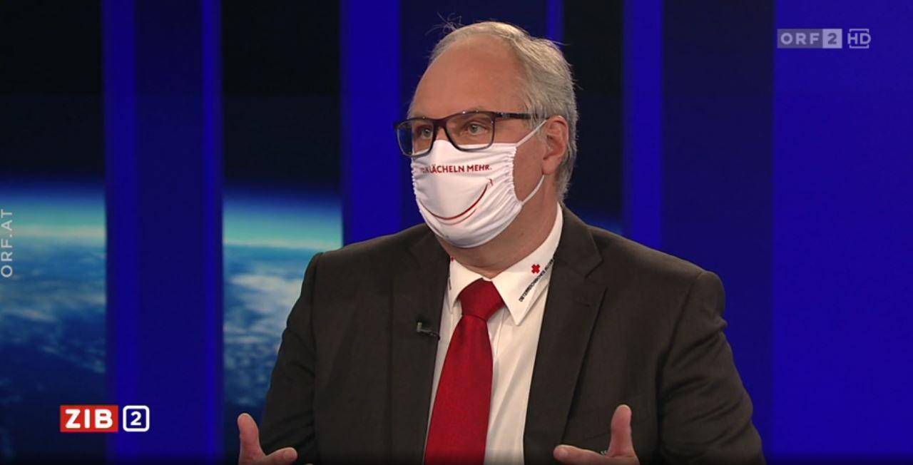 Nach Kritik: Foitik mit Smiley-Maske im TV-Studio