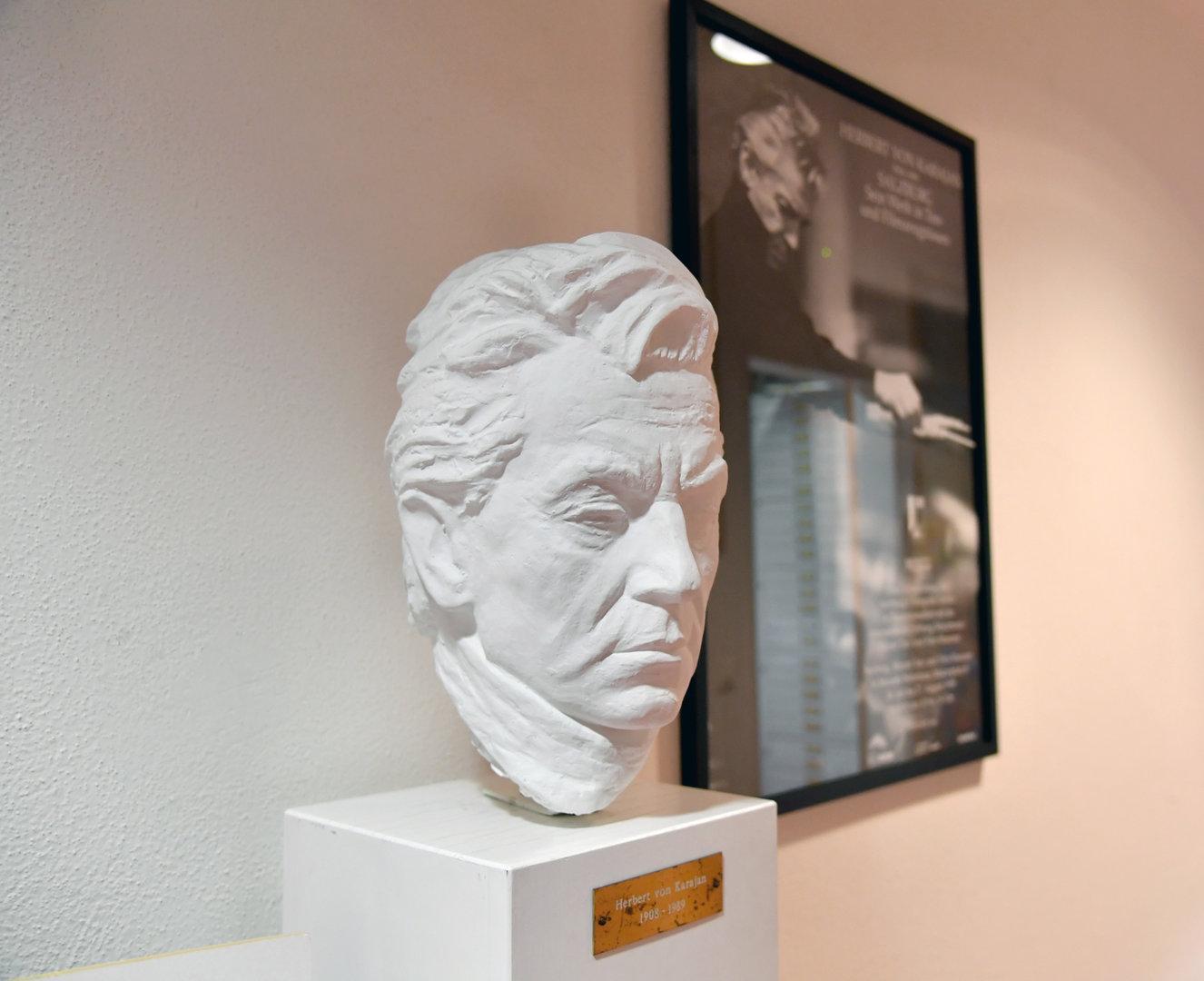 Trenkler Tratsch: Wie Herbert von Karajan entnazifiziert wurde