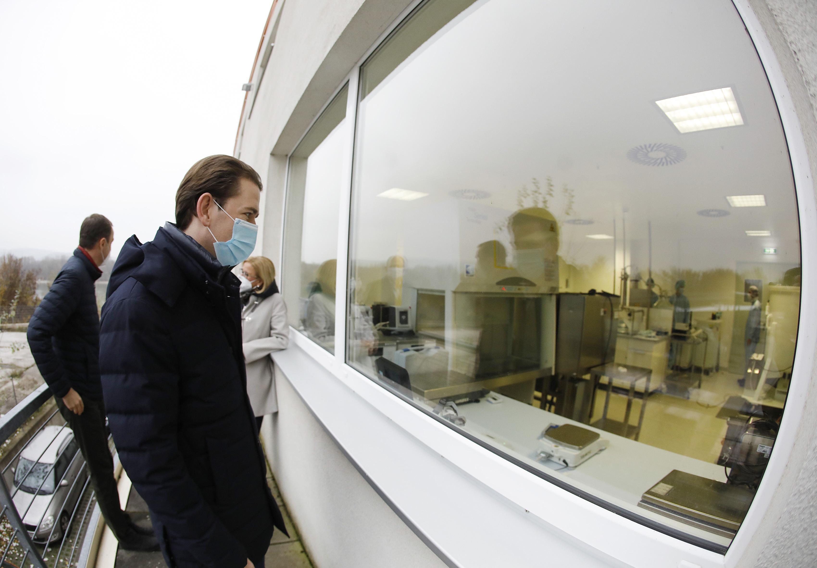 "Kurz in Biotech-Fabrik: ""Impfung wird Game Changer"""