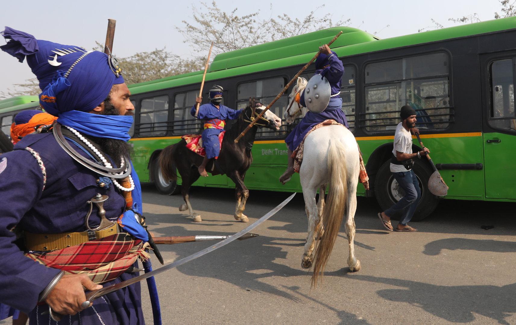 Bauerndemos in Indien: Mit Pferd und Schwert gegen die Agrarreform