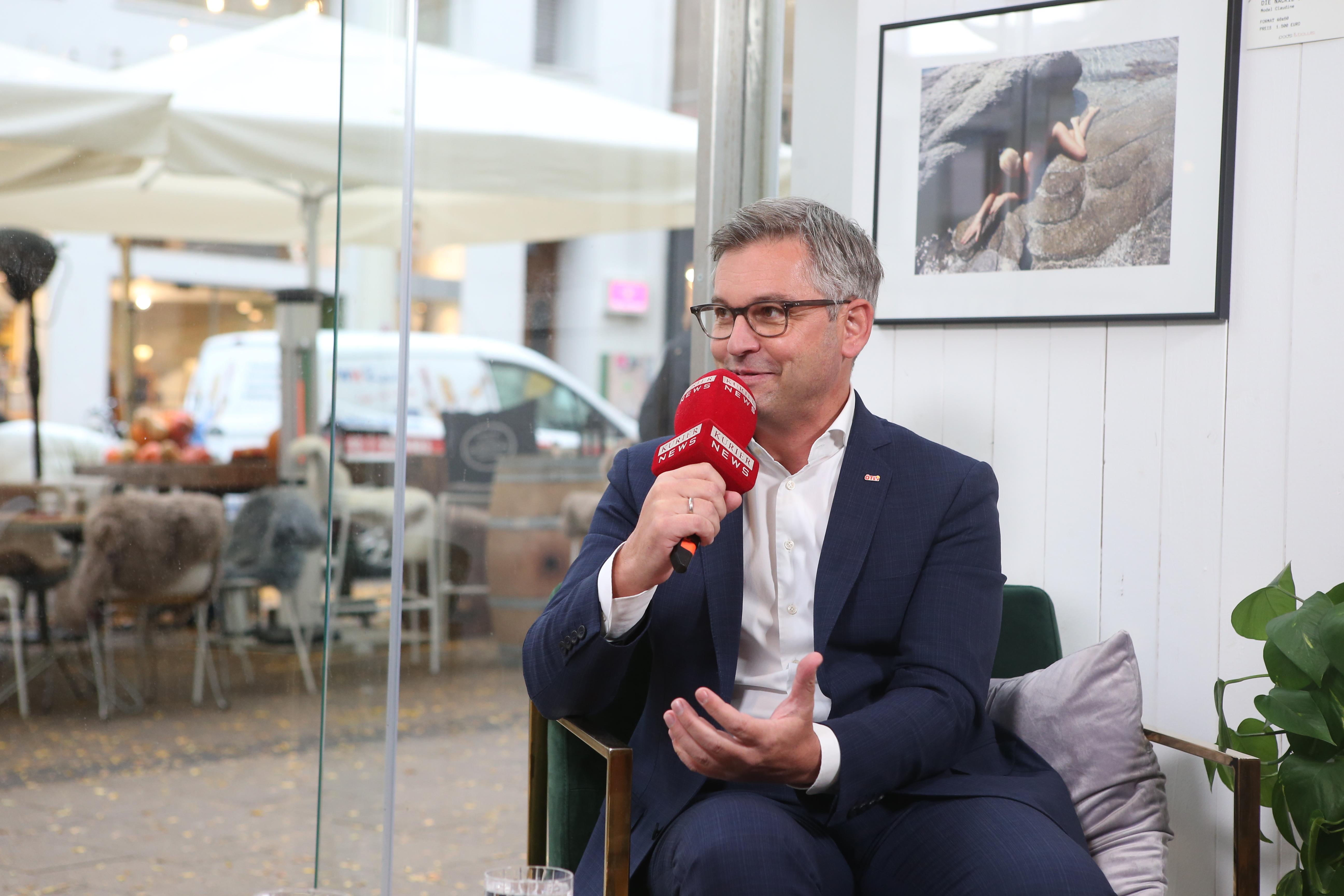 Talk mit Magnus Brunner