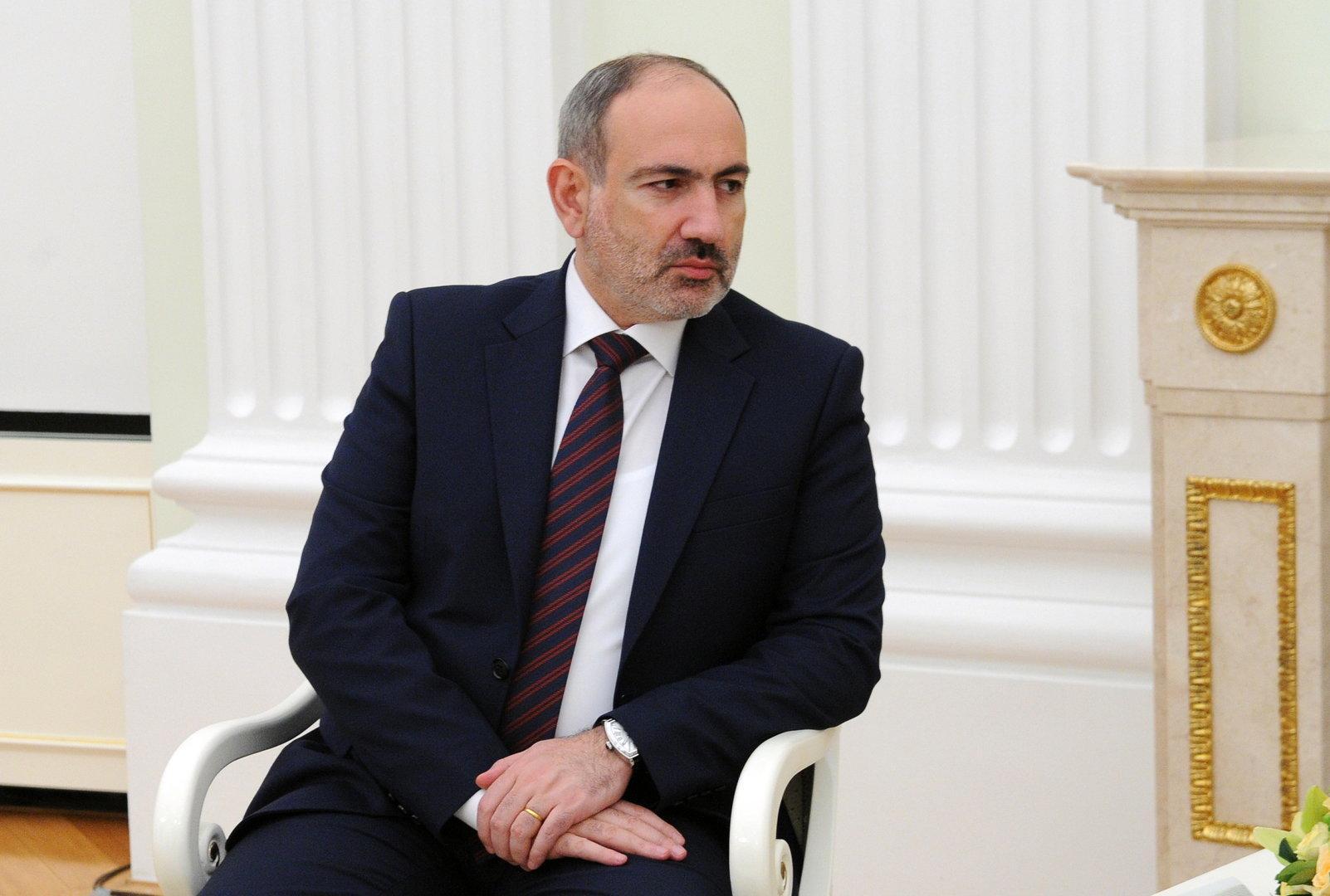 """Armenischer Premier Paschinian spricht von """"Putschversuch"""""""