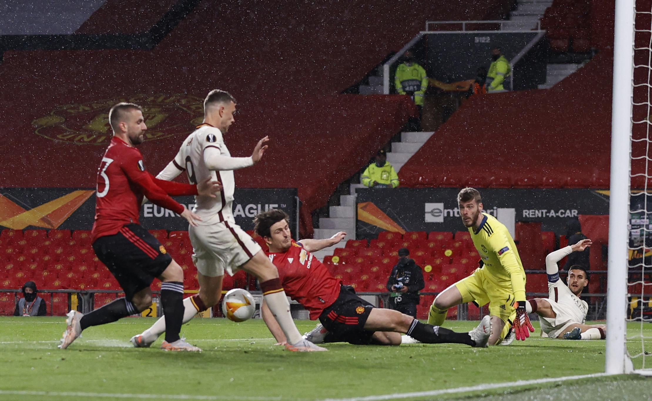 Europa League - Semi Final First Leg - Manchester United v AS Roma