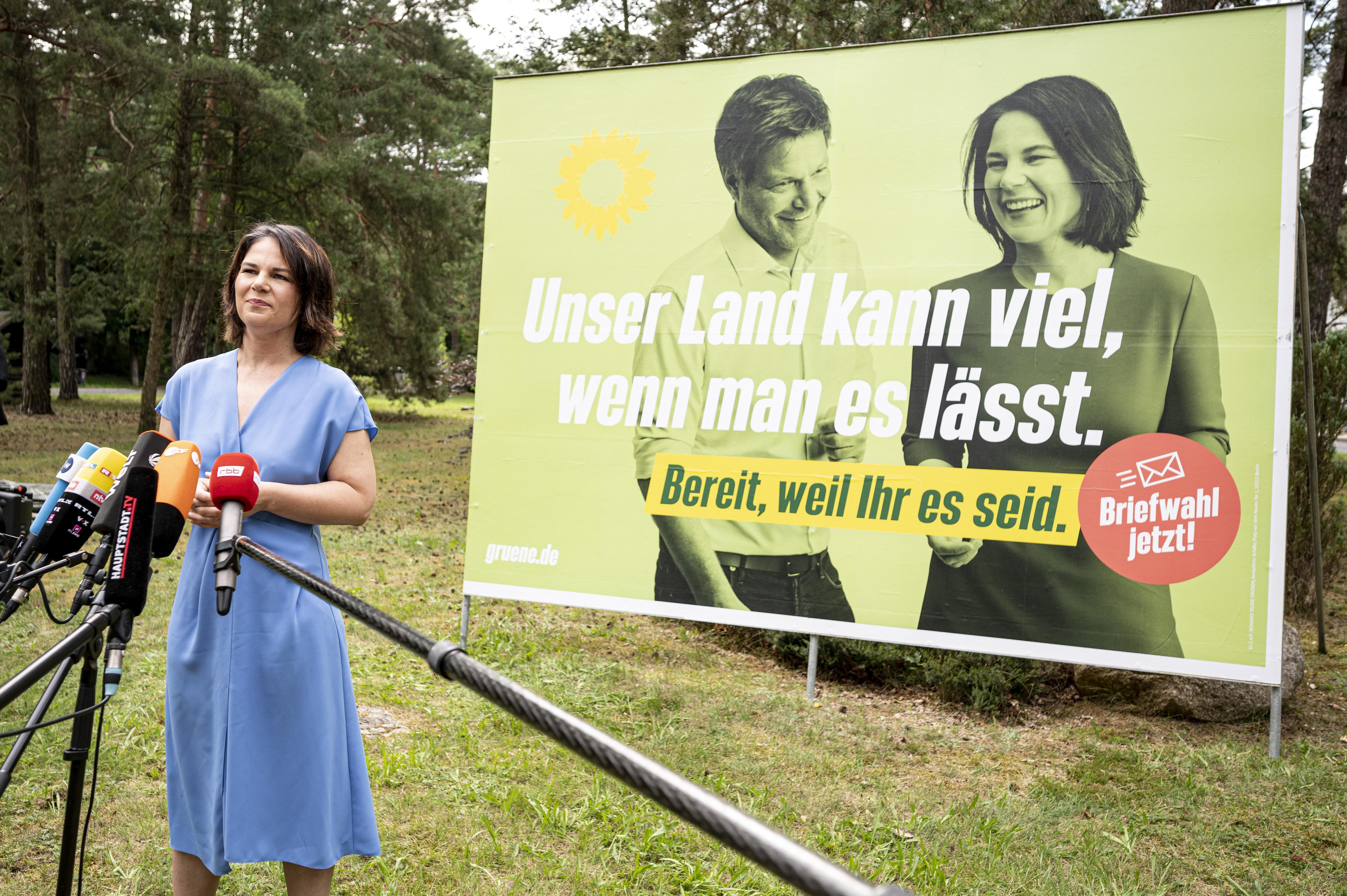 """""""Hängt die Grünen!"""": Nach Hassplakaten folgt Gegenschlag von Grün"""